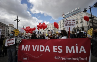 İspanya Ötanazinin Yasallaştığı 8'inci Ülke...