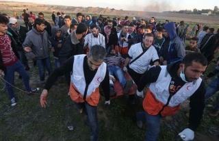 İsrail askerleri Gazze sınırında 30 Filistinliyi...