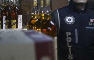 İstanbul'da Alkol Satışı Yapan Esnaf Gözaltına...