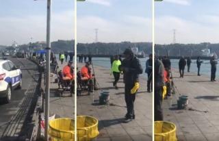 İstanbul'da Sahildeki Kalabalığı Polis Anons ile...