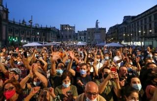 İtalya yerel seçimlere gidiyor: Sokaklardaki çöpler...