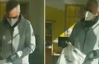 Jose Mourinho, Londra'da Evinden Çıkamayan Yaşlılar...