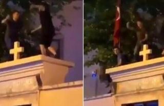 Kadıköy'de Kilise Duvarında Oynayan Kişiler Serbest...