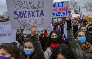 Kadınlar Sokakta: 'İstanbul Sözleşmesi'ni Uygula'