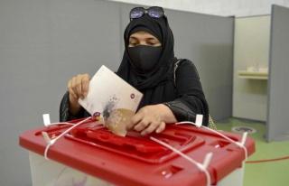 Katar'da ilk kez yapılan Şura Meclisi seçimlerine...