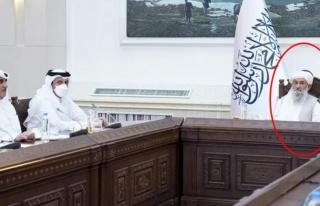 Katar heyetini ağırlayan Taliban'ın yeni başbakanı...