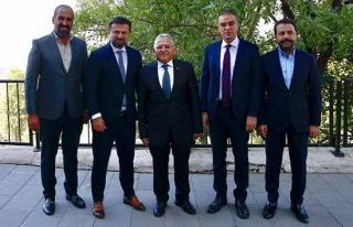 Kayserispor'un yeni teknik direktörü belli oldu