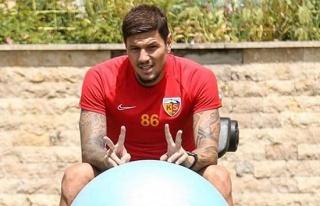 Kayserisporlu Diego Angelo Kayserispor'u kümede...