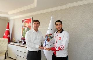 Kick Boks Şampiyonasın'da Türkiye birincisi oldu
