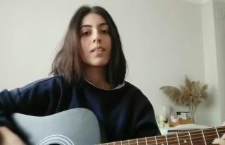 Kızı Gitar Performansını Videoya Kaydederken 'Çok...