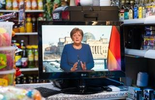 Koronavirüs Canlı Blog | Angela Merkel'in Kendisini...