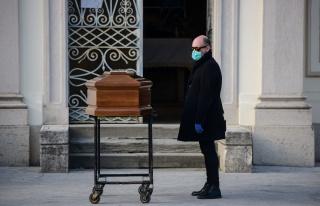 Koronavirüs Canlı Blog: İtalya'da Ölenlerin Sayısı...