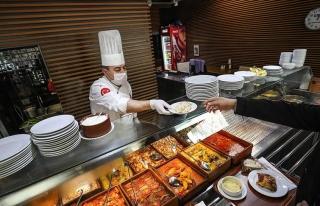 Koronavirüs Canlı Blog: Lokanta ve Restoranlara...