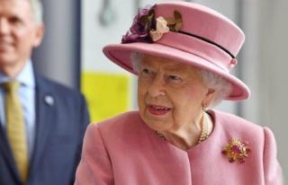 Kraliçe II. Elizabeth, 7 aylık karantinadan maskesiz...