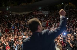 Kürtçe Tiyatro Oyununun Yasaklanmasına İmamoğlu'ndan...