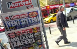 Macron: 'Türkiye, Devlet Kontrolündeki Medya Üzerinden...
