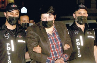 Mehmet Aydın, Rakip İnternet Sitesini Kuran Eski...