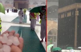 Mekke'ye ceviz büyüklüğünde dolu yağdı! Müslümanlar...