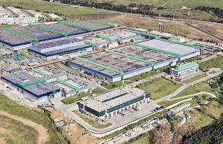 Mercedes-Benz Türk 2 fabrikasındaki üretimine ara...