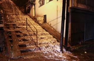 Meteoroloji Uyarmıştı: Fotoğraflarla İzmir'i...