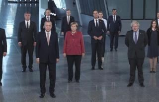 NATO Zirvesi, 30 liderin aile fotoğrafı çekilmesi...