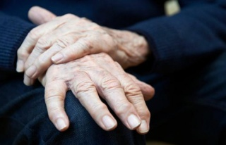Parkinson hastalığı nedir? Parkinson belirtileri...