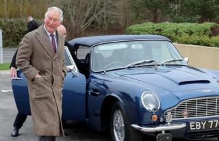 Prens Charles'ın 50 yıllık klasik otomobili şarap...