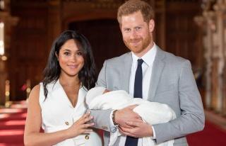 Prens Harry ve Meghan Markle Yeni Doğan Bebeklerine...