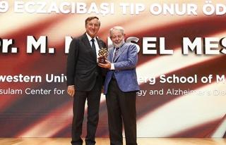 Prof. Dr. Marsel Mesulam'a Eczacıbaşı Tıp Onur...