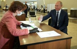 Putin, 2036'ya değin görevde kalmasını sağlayacak...