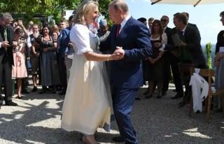 Putin'le yaptığı dans nedeniyle tüm dünyada adından...