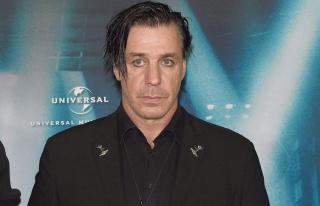 Rammstein'ın solisti de Corona virüse yakalandı