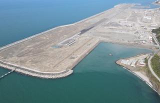 Rize-Artvin Havalimanında 100 milyon ton dolgunun...