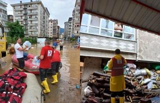 Rize'deki selzedelere destek olan Kızılay Artvin'e...