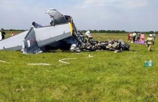 Rusya'da paraşütçüleri taşıyan uçak yere çakıldı:...