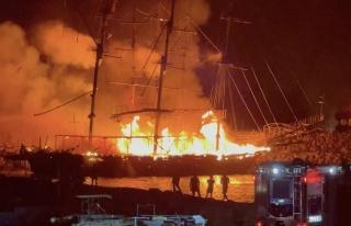 Sabotaj mı? Alanya'da Dev Tur Tekneleri Yandı...
