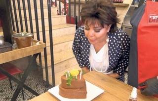 Safiye Soyman'ın çiğ köfteli kutlaması