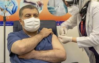 Sağlık Bakanı Koca Aşı Oldu!