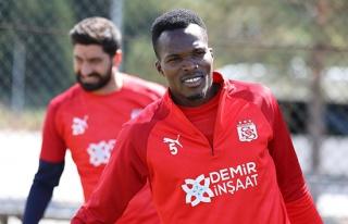 Sivasspor'da Isaac Cofie'nin durumu belirsiz!