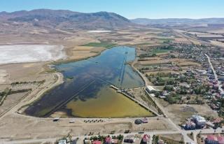 Son dakika haber | Kuraklıktan etkilenen Ulaş Gölü'nde...