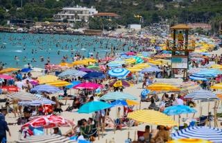 Sosyal Mesafeye Bayram Arası: Adalar ve Sahiller...