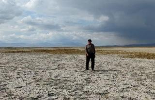 Sultan Sazlığı'ndaki Yay Gölü çöle döndü