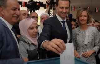 Suriye seçimlerini oyların yüzde 95'ini alan Beşşar...