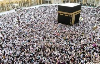 Suudi Arabistan umre ziyaretlerini kademeli olarak...