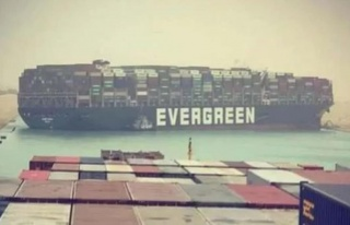 Süveyş Kanalı'ndaki gemi krizi büyüyor! Günlük...