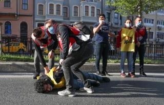 Taksim'e Çıkmak İsteyenlere İzin Yok: Yüzlerce...