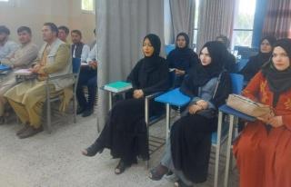 Taliban başkent Kabil'deki üniversiteyi kız ve...