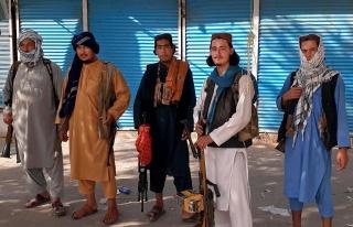 Taliban 'Genel Af' İlan Etti ve Kadınlara 'İşe...