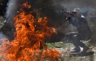 Taşlı sopalı su kavgası iki ülke ordusunu karşı...