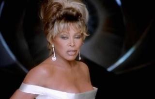 Tina Turner 60 yıllık müzik kataloğunu BMG'ye...